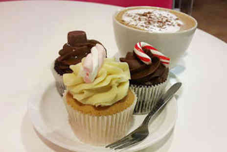 Udderly Cool Cake and Shake Bar - Cupcake with Milkshake, Smoothie or Hot Drink - Save 30%