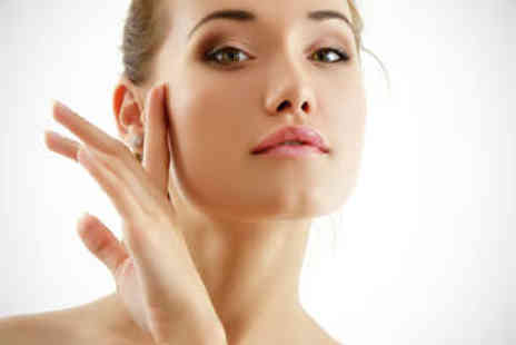 EnVogue Centre - Ultrasonic Lunchtime Facial Treatment - Save 53%