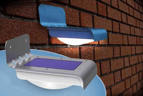 Zoozio - Solar powered motion sensor light containing 16 LED bulbs - Save 62%
