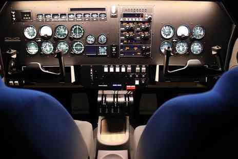 Icarus Simulation - Flight Simulator Experience for a Couple or One with Icarus Simulation  - Save 0%