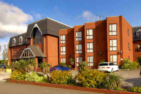 The Hillcrest Hotel - Relaxing Cheshire Getaway - Save 0%