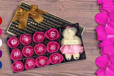 Bing bang bosh - Scented Soap Rose Petals and Cute Teddy Set - Save 50%