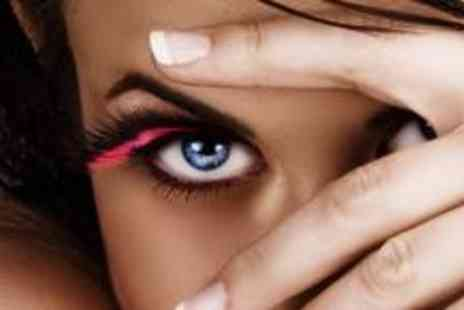 Flawless Finish Beauty - Semi permanent lash extensions - Save 70%