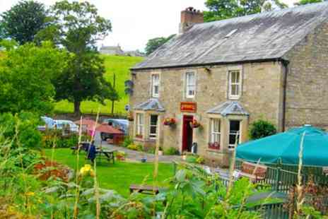 The Elks Head -  One to Three Nights Stay For Two With Breakfast and Welcome Drink With Option For Dinner  - Save 0%