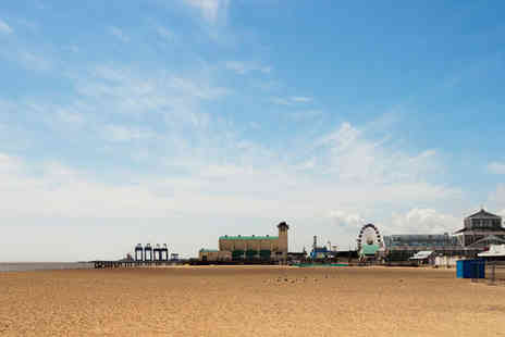 Henrys on the Prom - Two nights stay in a Double Ensuite Room - Save 35%
