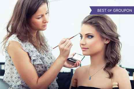 JD Campus London - Online Hair and Make Up Artist Course   - Save 94%
