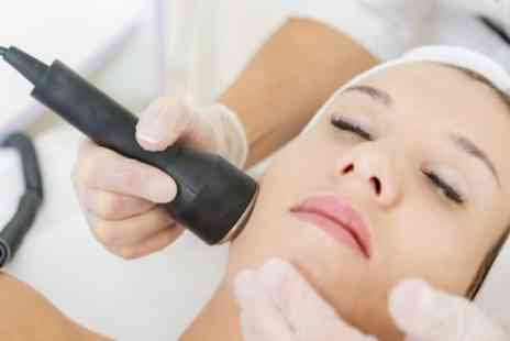BPLACE - Ultrasonic Peel Facial with a Pressotherapy Session - Save 74%