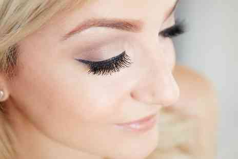 Lauren at Sculptur Beauty - HD Brows with Optional Eyelash Tint   - Save 52%