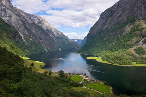 Norway in a Nutshell - Four nights Stay in Standard Rooms - Save 33%