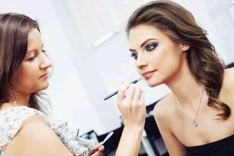 Reets Academy - MAC Make Up Course on a Weekday or Weekend  - Save 0%