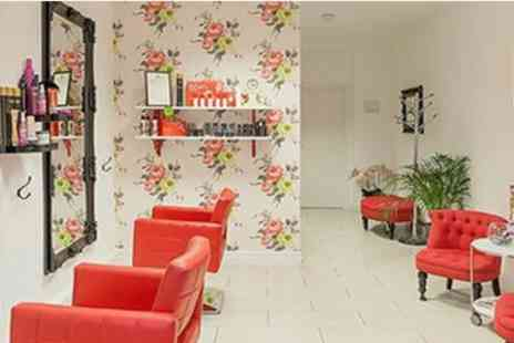 The Beauty Lounge E11 - SPRING DEAL Sun Kissed Ombre OR Balayage  & Blow Dry - Save 52%