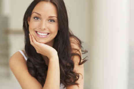 Glamour Smile Clinic - Zoom Teeth Whitening Treatment - Save 84%