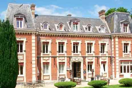 Chateau Tour - Four nights stay With Breakfast and 2 dinners Plus 2 charming chateaus, Normandy and Brittany - Save 0%