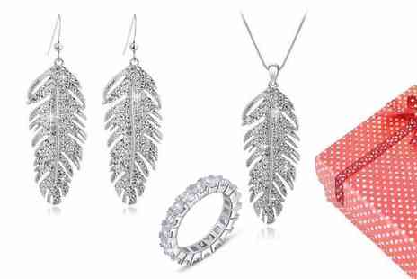 Chic Fashions - Gorgeous feather design necklace, earrings and bracelet set  - Save 89%
