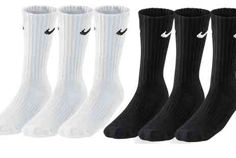 Salvador Company - 9 or 18 Pairs of Mens Nike Sport Socks in Choice of Colour and Size With Free Delivery - Save 0%