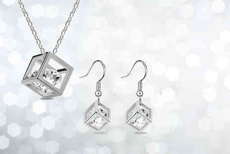 Candy Chic - Silver plated crystal cube set including a necklace and earrings - Save 91%