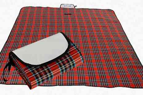 E & F Trading - Waterproof Tartan Picnic Blanket - Save 63%
