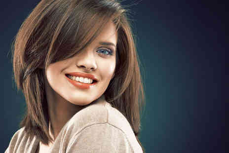 Secretly Beautiful - Cut, restyle, blow dry and conditioning treatment - Save 52%