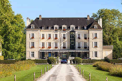 Chateau de Saulon - Let yourself be pampered at this 17th century chateau in Burgundy. - Save 53%