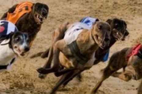 Sittingbourne Greyhounds Racing Track - Greyhound Racing Entrance For Four With Race Card, Meal, Drink - Save 97%
