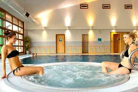Cedar Court Wakefield - Full Day Leisure Pass with Sparkling Afternoon Tea for Two, Four or Six - Save 0%