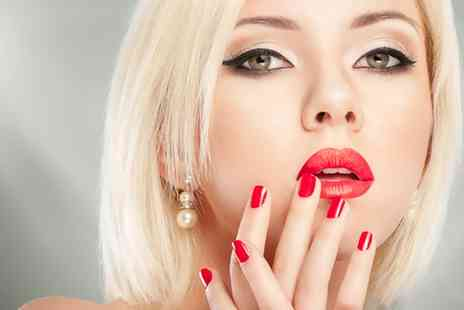 LEVOI Champagne Salon - Manicure with a Glass of Bubbly - Save 38%