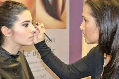 Mia Thompson make up artist - 2Hr 30 min MAC Make Up Masterclass for One,Two or Three  - Save 74%