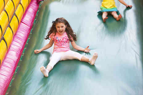 Bizzy Bouncers - Two hour play session for two children including a slice of pizza and juice - Save 50%