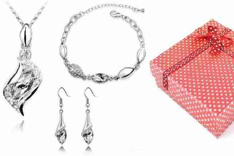 Chic Fashions - Necklace, bracelet and earrings set from Chic Fashions choose from eight different colours - Save 91%