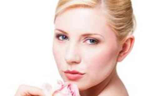 Bloomin Beauty - Luxury facial plus a back, neck and shoulder massage - Save 72%