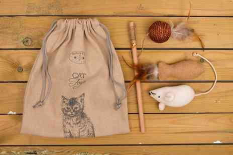 Groupon Goods Global GmbH - Banbury and Co Luxury Dog or Cat Gift Sets - Save 45%