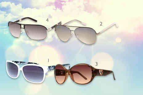 Fashion Eyewear - Pair of Guess sunglasses - Save 78%
