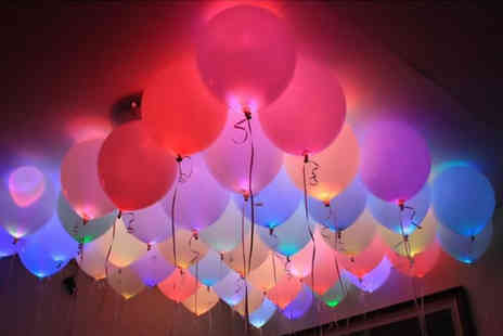 Toy Meets World - Pack of five LED balloons - Save 70%