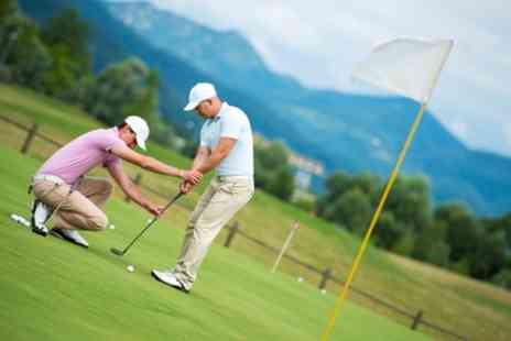 The Travelling Tee - One or Two 60 Minute Golf Lessons for an Adult - Save 40%