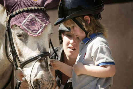Buyagift - Kids cowboy adventure including horse riding and lunch - Save 0%