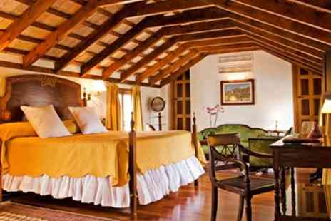 Hocapa Juderia - Seville B&B Stay near Dornes Water Gardens  - Save 25%