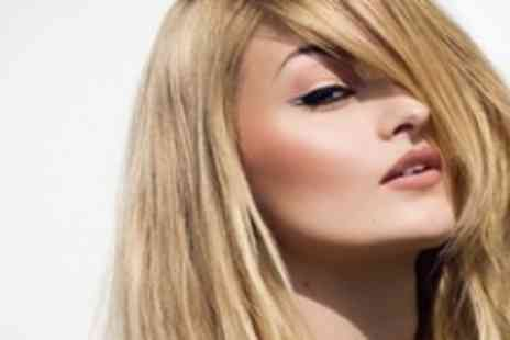 Dappa Hair Boutique - Choice of 1/2 Head Highlights or Full Colour with Hair Cut, Moroccan Oil Condition & Blowdry - Save 68%
