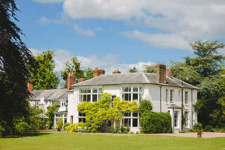 Laughern Hill Estate - Five Star 1 night Stay in a Wisteria Room - Save 62%