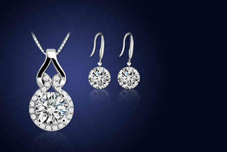Elle and Be - Necklace and earring set made with Swarovski Elements - Save 86%