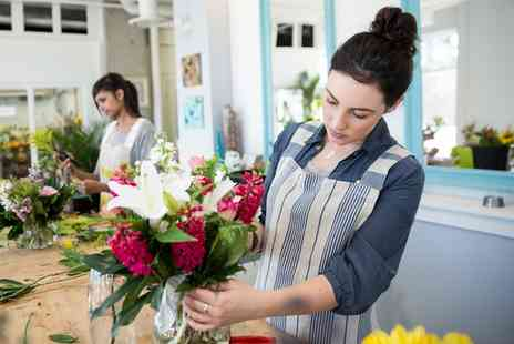 Meades Florist - 3.5 Hour Beginners Floristry Course - Save 0%