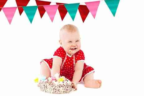 "Trendy Art - Cake smash baby photoshoot including a 10"" x 10"" framed print of your favourite image - Save 93%"
