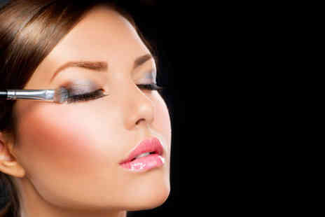 CMBTA - Three hour MAC makeup masterclass - Save 71%