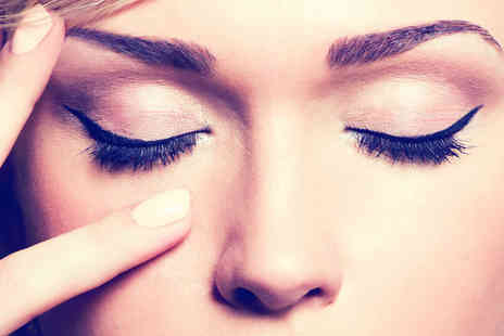 The Beauty Brow Bar - Eyebrow shape and tint, plus individual lash extensions - Save 63%