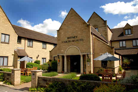 Oxford Witney Four Pillars Hotel - Four Star overnight break for two including a three course dinner and bottle of wine, spa access and breakfast - Save 40%