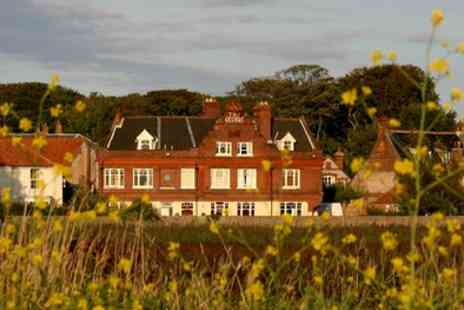 George at Cley - One Night Stay For Two With Breakfast or 2 or 3 Nights Plus Cream Tea - Save 0%