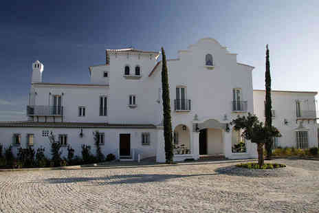 Cortijo Bravo Hotel - Seven nights Stay in a Traditional Room - Save 58%