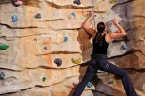 V9 Bouldering - Two months of bouldering plus an introduction to climbing - Save 75%