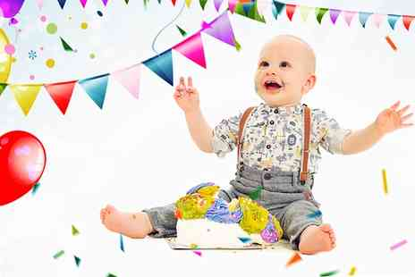 Kline Studios - Baby Cake Smash Photoshoot with Prints and Keyrings - Save 40%