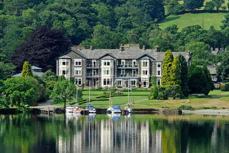 Inn on the Lake - One night Stay in a Lake View Room - Save 33%