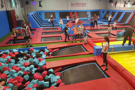 Boing Zone Trampoline Park - Two hour trampoline party for ten kids - Save 13%